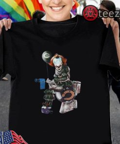 Halloween Pennywise Green Bay Packers shit on Detroit Lions trample on Chicago Bears helmet shirt