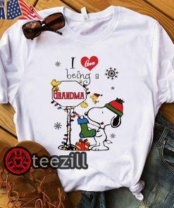 Merry Christmas Snoopy I Love Being A Grandma Shirt