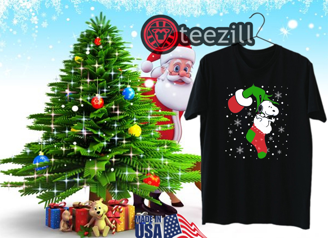 Snoopy Christmas Images.Grinch Hand Holding Snoopy Christmas Shirt