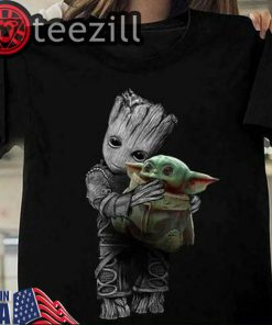 Baby Groot Hugging Baby Yoda Black Men Women T-shirt