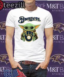 Baby Yoda hug Milwaukee Brewers Shirt T-Shirts
