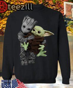 Groot Hugging Baby Yoda Shirt The Mandalorian Baby Yoda Mixed Groot T-shirt