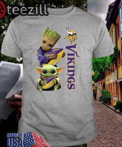 Baby Groot And Yoda Hug Minnesota Vikings Men's TShirt