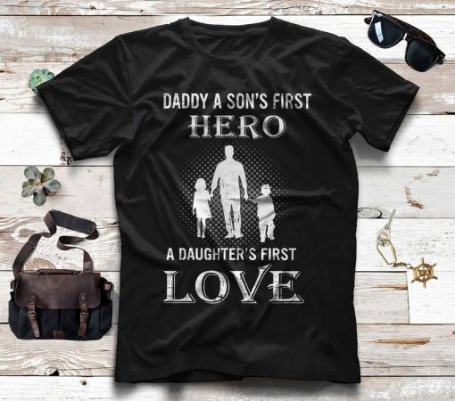 New Dad a Sons First Hero a Daughters First Love 2021 T-Shirt