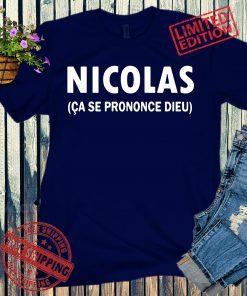 Nicolas Ça Se Prononce Dieu Premium T-Shirt